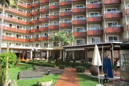 Hotel Riu Palace Bonanza Playa: Hotelansicht vom Pool aus
