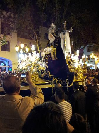 Church of El Salvador: Our Lady of Sorrows arriving in the Square