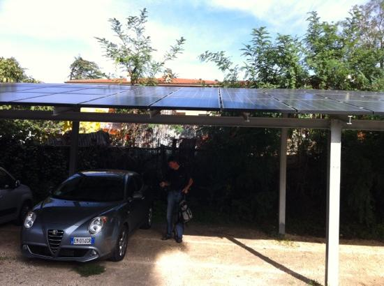 EcoHotel Roma: Parking mit Solar Dach