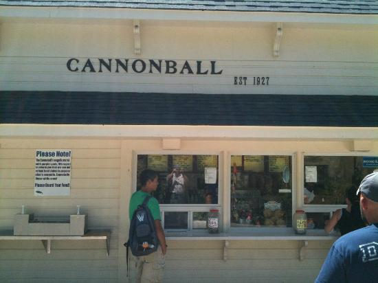 Cannonball Inn and Catering: Cannonball snack shop