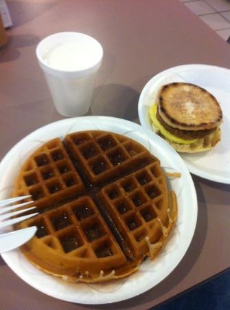 سليب إن ويسلي شابيل: Waffles and egg  N biscuit muffin.