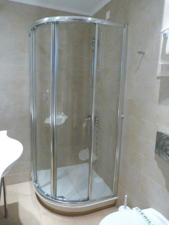 Neilson Cosmos Beachclub: shower