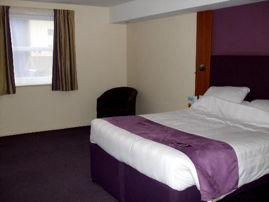 ‪‪Premier Inn Bridgwater Hotel‬: Bedroom‬
