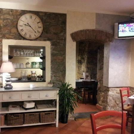 Pizzeria Capolinea 2.0: Sala principale ed accesso alla Sala secondaria