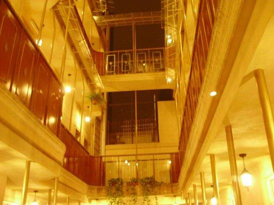 Babel City: Interior do Hotel
