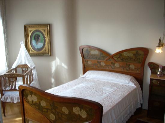 La chambre picture of la pedrera barcelona tripadvisor for Chambre barcelona