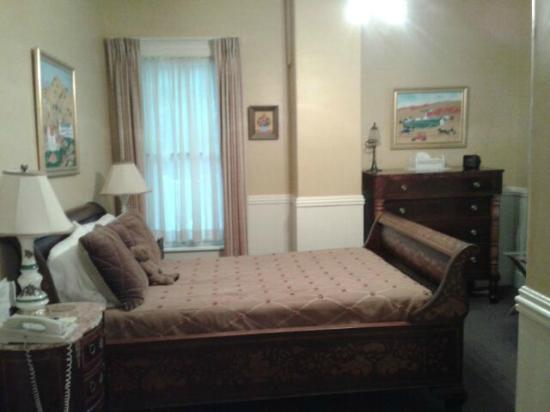 Betsy's Bed and Breakfast: Room 8-one double bed, en suite bath