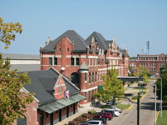 Montgomery Visitors Center: view of old union station montgomery