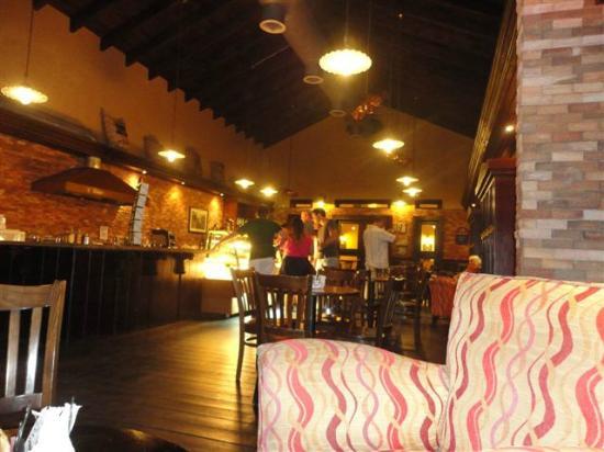 Ocean Blue & Sand: inside mikes coffee shop.