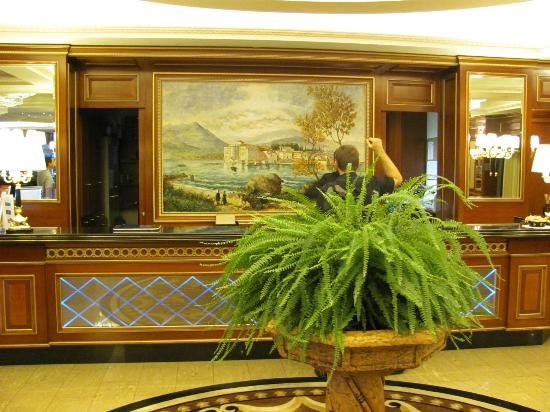 Hotel Splendid: Front desk