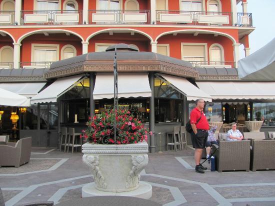Hotel Splendid: Veranda