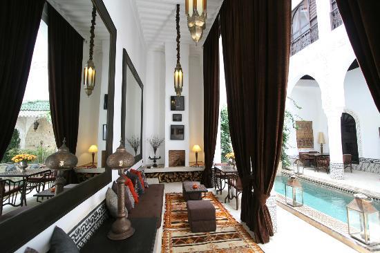 Riad Dar Saad : salon piscine