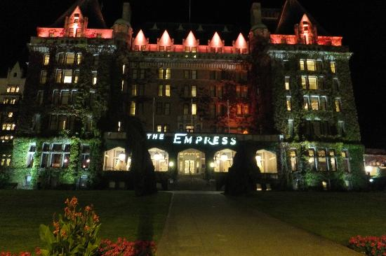 The Fairmont Empress: The Grand Old Lady at night