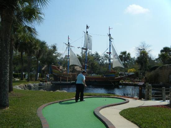 Pirate's Island Adventure Golf: Pirates Island Golf
