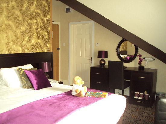 Hallmark Inn Manchester South: Bedroom