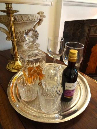 14 Hart Street: Complimentary Whiskey and Wine