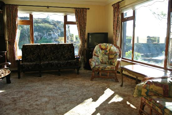 Bunbeg House: TV-Roam / Lounge