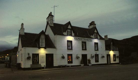 The KIlmartin Hotel at dusk