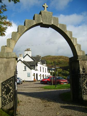 Kilmartin Hotel : From the church