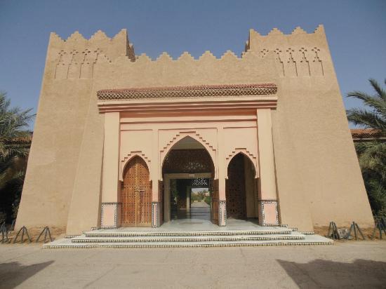 Hotel Zagora Riad Salam: entrada hotel