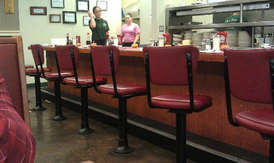 The Shack Restaurant : diner stools