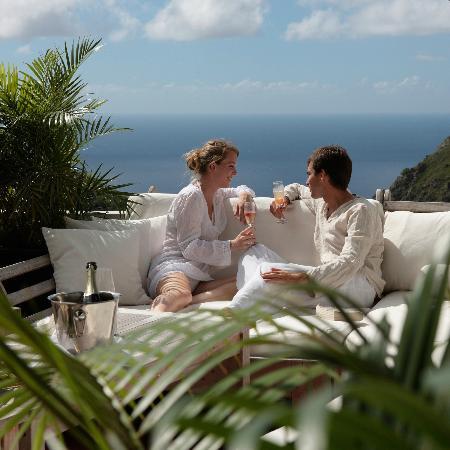 Queen's Gardens Resort & Spa: In the Lounge