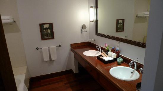 Victoria Angkor Resort & Spa: sdb