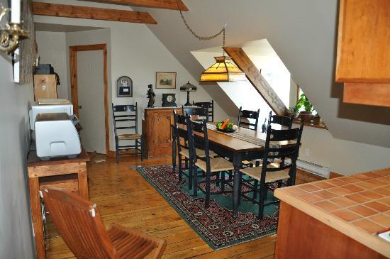 Bed & Breakfast L'Heure Douce : La salle à manger/cuisine