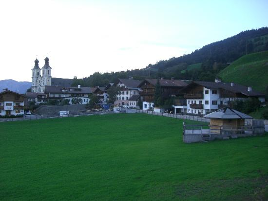 Sportresort Hohe Salve: Village view from side of hotel
