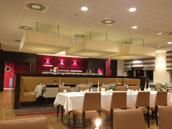 BEST WESTERN PREMIER Hotel Regensburg : Resteraunt View