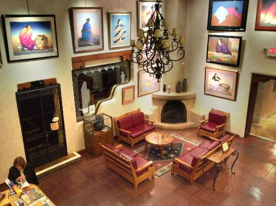 Hotel La Fonda de Taos: lobby with artwork