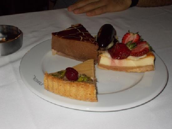 Sura Hotel & Suites: The dessert