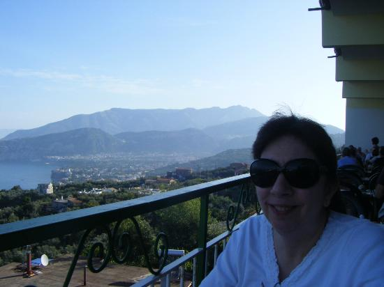 Il Nido Hotel Sorrento: Sorrento and the hills