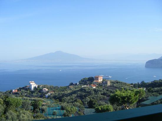 Il Nido Hotel Sorrento: Vesuvius!