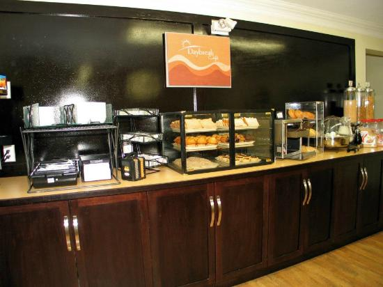 Days Inn Kelowna: DayBreak Breakfast