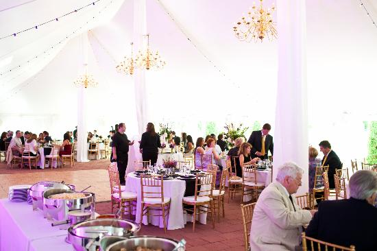 Historic Mankin Mansion Bed and Breakfast: Reception Tent