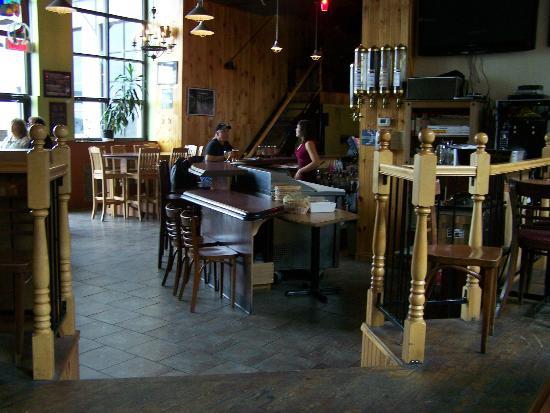Corsaire Pub: L'intérieur de la microbrasserie