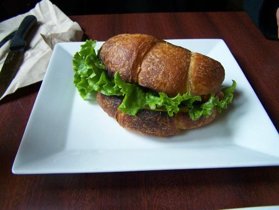 Corsaire Pub: Croissant jambon-fromage