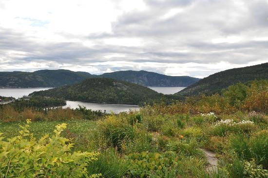 La Maison Harvey Lessard : Vue depuis la chambre sur le lac et le fjord