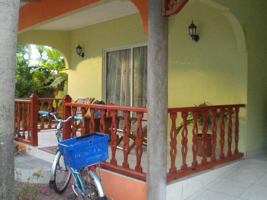 Villa Authentique: veranda