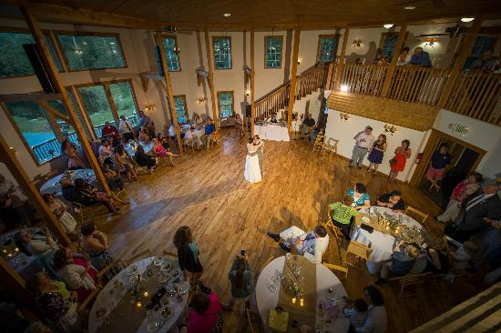 Sleepy Hollow Inn: The first Dance at a Sleepy Hollow Wedding