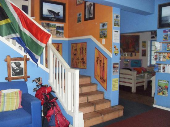 Hermanus Backpackers: Stairs up to the Dorms