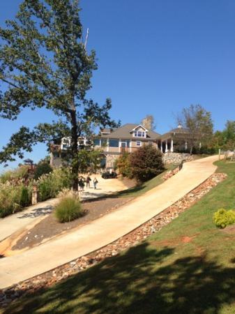 Wolf Mountain Vineyards & Winery Restaurant