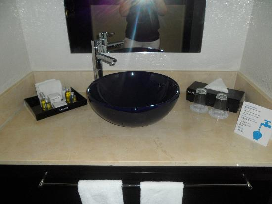 Ocean Maya Royale: bathroom sink