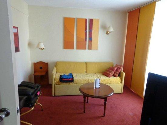 Mercure Pont d'Avignon Centre : Sitting room in superiour room