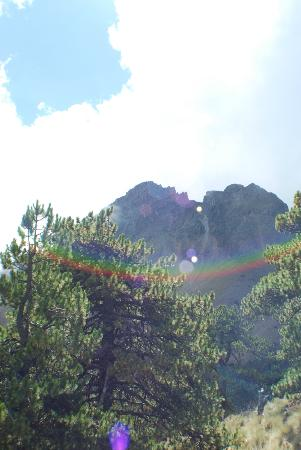 Nevado de Colima Tours: Nevado de Colima - A view of the top from the middle of the mountain