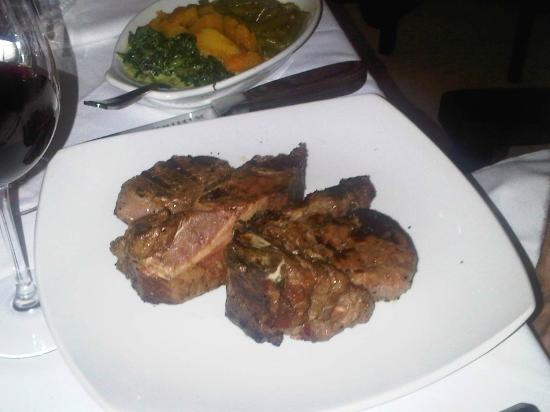 The Grillhouse Rosebank: Butterfly-Filetsteak am Knochen gegrillt