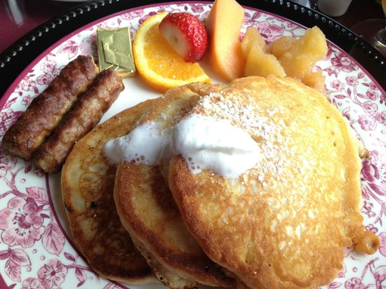 Cranmore Mountain Lodge Bed and Breakfast : Fabulous homestyle breakfast