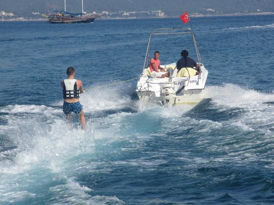 Club Med Kemer: Ski nautique