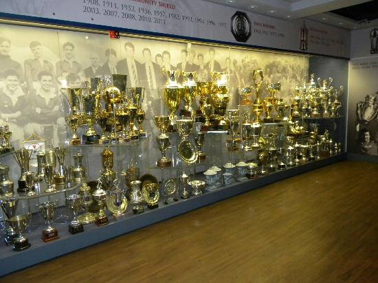 Old Trafford The Trophy Room One Side